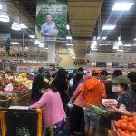 Người dân đổ xô mua đồ ăn tích trữ vì cách ly toàn Xã hội có nên không?